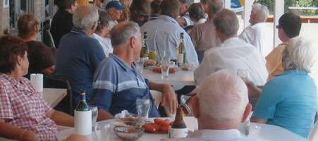Dining and drinks at the Boonooroo Bowls Club